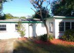 Foreclosed Home en W OAK HILL DR, Palatka, FL - 32177