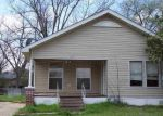 Foreclosed Home en KAUFMAN ST S, Mount Vernon, TX - 75457