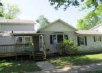 Foreclosed Home en W GLOVER ST, Ottawa, IL - 61350