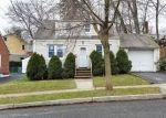 Foreclosed Home en HOBART PL, Clifton, NJ - 07011