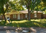Foreclosed Home en LONGBRANCH DR, Floresville, TX - 78114