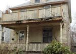 Foreclosed Home en REMINGTON ST, Warwick, RI - 02888