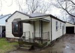 Foreclosed Home en W COLUMBIA AVE, Pontiac, MI - 48340