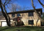 Foreclosed Home en GREENVIEW RD, Cary, IL - 60013