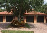 Foreclosed Home en HEATHER LN, Naples, FL - 34119
