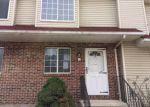 Foreclosed Home en PIERPONT RD, Waterbury, CT - 06705
