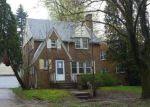 Foreclosed Home en W ALLEGAN ST, Lansing, MI - 48915