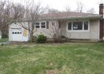 Foreclosed Home en TWIN HILLS DR, Coventry, CT - 06238