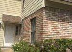 Foreclosed Home en RUE CHARDONNAY, Kenner, LA - 70065