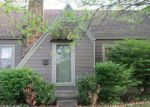 Foreclosed Home en E OLIVE ST, Springfield, MO - 65802