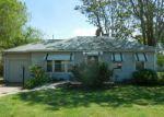 Foreclosed Home en S LAURA ST, Wichita, KS - 67211
