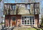 Foreclosed Home en PARKWAY DR, Eastlake, OH - 44095
