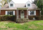 Foreclosed Home en BLUEJAY DR, Irwin, PA - 15642