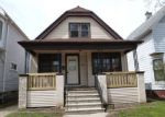 Foreclosed Home en S 8TH ST, Milwaukee, WI - 53215