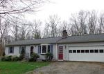 Foreclosed Home en MOUNTAIN LAUREL LN, Chaplin, CT - 06235