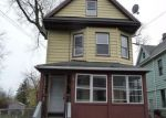 Foreclosed Home en STRATFORD AVE, Bridgeport, CT - 06607