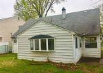 Foreclosed Home en S HARRISON AVE, Iselin, NJ - 08830