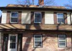 Foreclosed Home en ELLIOTT ST, Newark, NJ - 07104