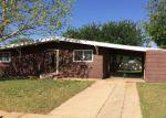Foreclosed Home en N JAYCEE AVE, Denver City, TX - 79323