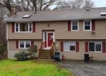 Foreclosed Home en NEW LONDON RD, Mystic, CT - 06355