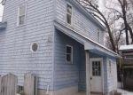 Foreclosed Home en MEADOW ST, Wallingford, VT - 05773