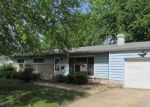 Foreclosed Home en CIRCLE DR, Herrin, IL - 62948