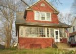 Foreclosed Home en ROCKWELL AVE, Stratford, CT - 06615
