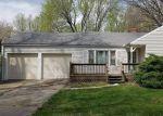 Foreclosed Home en E 58TH ST, Kansas City, MO - 64133