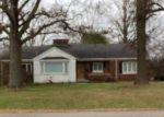 Foreclosed Home en N MADISON ST, Trenton, IL - 62293