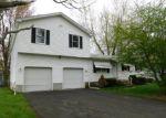 Foreclosed Home en KNOLLWOOD CIR, Holyoke, MA - 01040