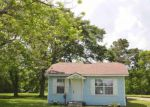 Foreclosed Home en 25TH ST, Groves, TX - 77619