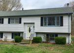 Foreclosed Home en DEER RIDGE RD, Stonington, CT - 06378