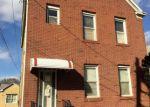 Foreclosed Home en OAKLAND AVE, Keasbey, NJ - 08832
