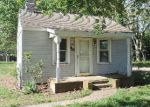 Foreclosed Home en CARTER AVE, Denton, MD - 21629
