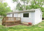 Foreclosed Home en EAST DR, Cottage Hills, IL - 62018
