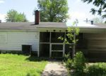 Foreclosed Home en W ELM ST, Harrisburg, IL - 62946