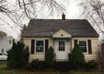 Foreclosed Home en MCKINLEY CT, Massena, NY - 13662