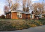 Foreclosed Home en PORTLAND AVE, Collinsville, IL - 62234