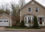 Foreclosed Home en S MAIN ST, Jewett City, CT - 06351