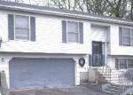 Foreclosed Home en RUMFORD ST, Waterbury, CT - 06704