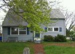 Foreclosed Home en W BEECH ST, Pottstown, PA - 19464