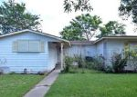 Foreclosed Home en RAY DR, Corpus Christi, TX - 78411