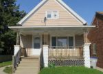 Foreclosed Home en N HOLTON ST, Milwaukee, WI - 53212