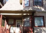 Foreclosed Home en W PARK HILL AVE, Milwaukee, WI - 53208