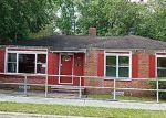 Foreclosed Home en TIMUQUANA RD, Jacksonville, FL - 32210