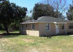 Foreclosed Home en W CORNELL ST, Avon Park, FL - 33825