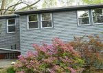Foreclosed Home en FOXON HILL RD, New Haven, CT - 06513