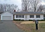 Foreclosed Home en NORTHFIELD RD, Wallingford, CT - 06492