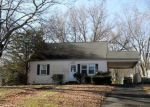 Foreclosed Home en FIELD DR, Wallingford, CT - 06492