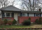 Foreclosed Home en LOGAN RD, Brentwood, NY - 11717